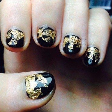 Black gold nail art by Natalie