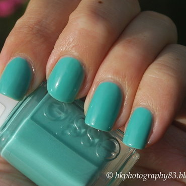Essie Turqoise and Caicos Swatch by Hana K.