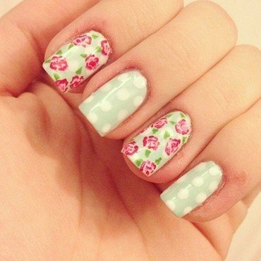 mint roses nail art by sophdoesnails -