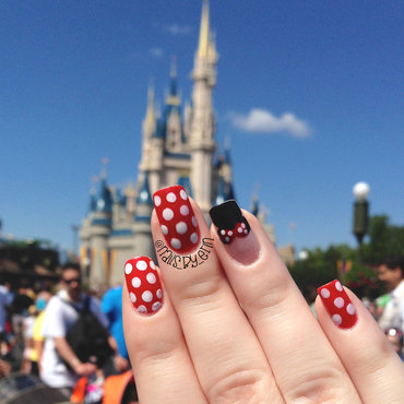 Minnie Mouse Nails (in front of the castle) nail art by Erin