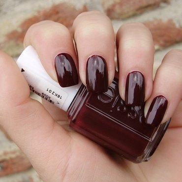 Essie chocolate cakes Swatch by Sanela