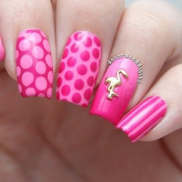 Pink flamingo  nail art by Jordan