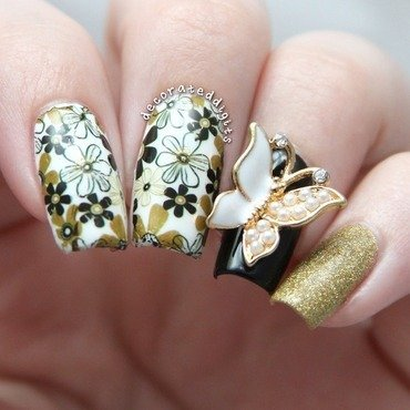 Floral butterfly nail art by Jordan