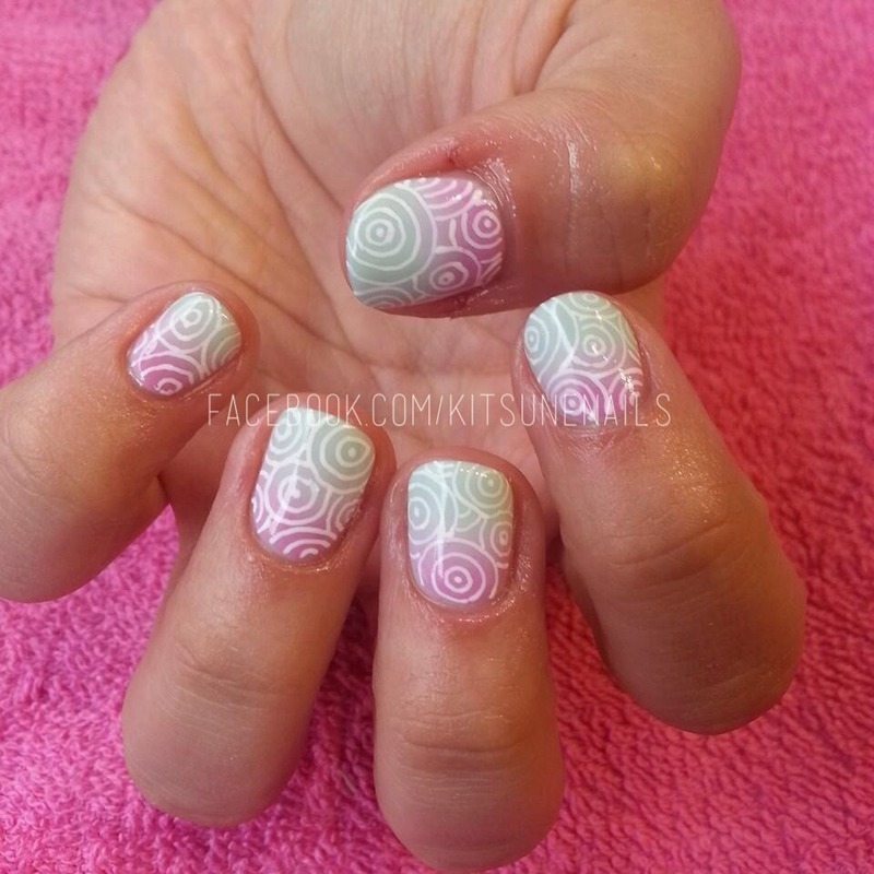 Ombré swirls nail art by KitsuneNails