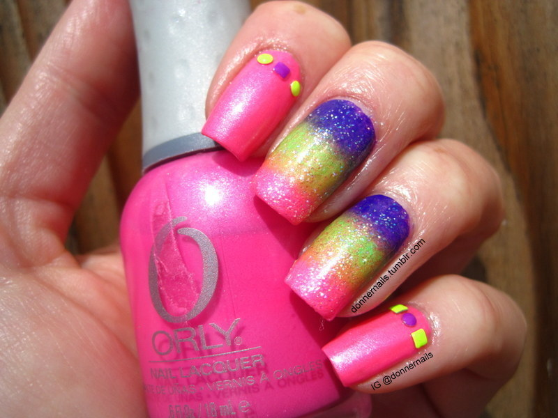 Neon Gradient & Studs nail art by Donner
