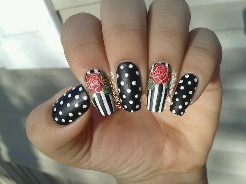 Red Roses nail art by Selena  Lopez