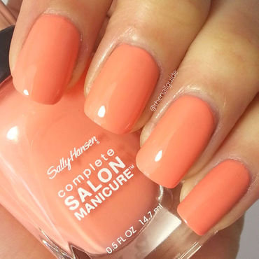 Essie Good to go and Sally Hansen Peach of Cake Swatch by thenailguide