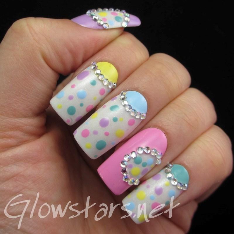 Pastel Dots nail art by Vic 'Glowstars' Pires