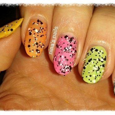 dotted skitlle nail art by Nina's nails