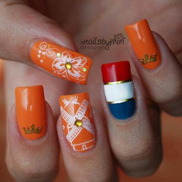 Dutch 'Kingsday' nails nail art by xNailsByMiri