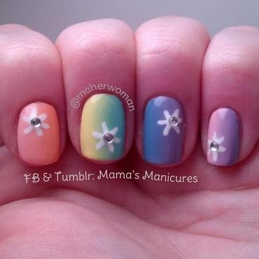 Pastel Rainbow Gradient with Daisies nail art by Mama's Manicures (maherwoman)