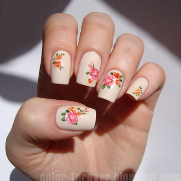 Flowers nail art by ania
