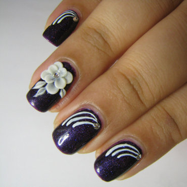 A flower in cosmos nail art by OnailArt