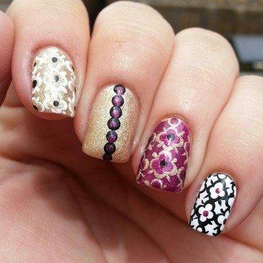 Quatrefoil pattern nail art by Jennifer Collins