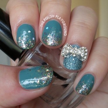 Glitter gradient with bow stud nail art thumb370f