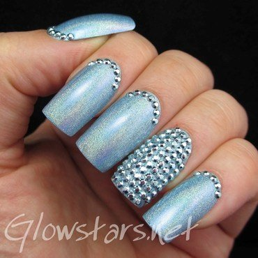 Featuring Born Pretty Store Blue Stud Rhinestones nail art by Vic 'Glowstars' Pires