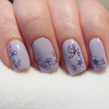 delicate butterfly. nail art by Lumi