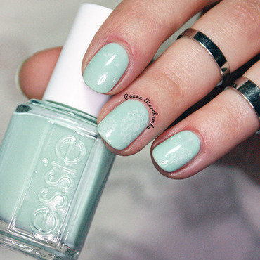 Essie Fashion Playground Swatch by Panna Marchewka