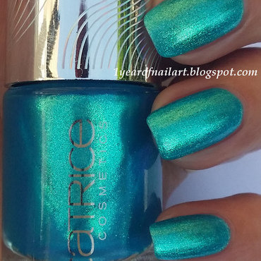 Catrice Limited Edition Haute Future Never Green Before Swatch by Margriet Sijperda