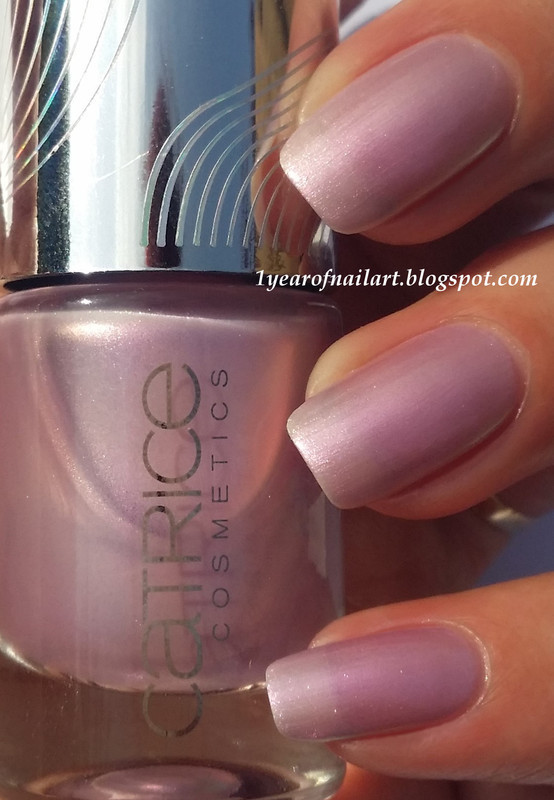Catrice Limited Edition Haute Future GaLILACxy Swatch by Margriet Sijperda