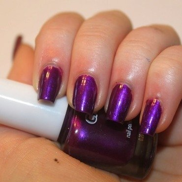 Crayola Grape Swatch by Elizabeth Hemingway