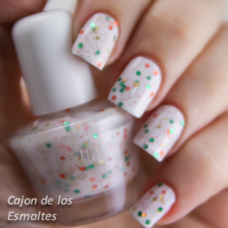 Juliette Cupcake white Swatch by Cajon de los esmaltes - Nailpolis ...