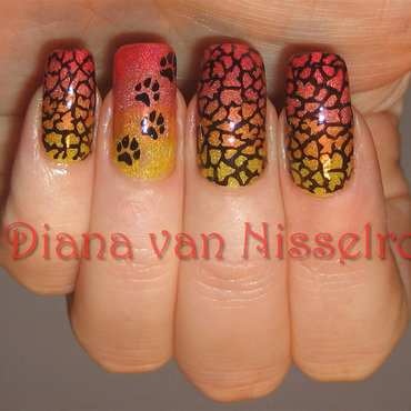 Animal paws nail art by Diana van Nisselroy
