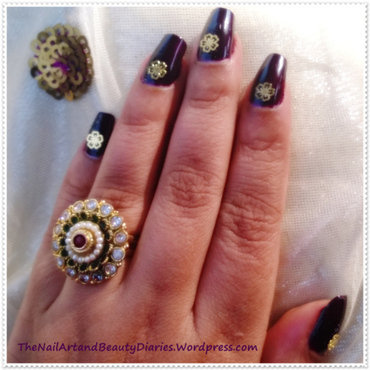 Devil wears gold nail art thumb370f