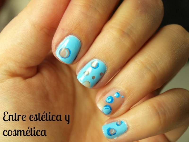 Bubble - Inspired in Bubble of The Powerpuff Girls nail art by MartaRuso