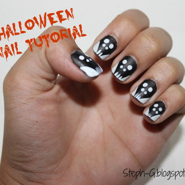 Halloween Skull nail art by Stephanie Godo