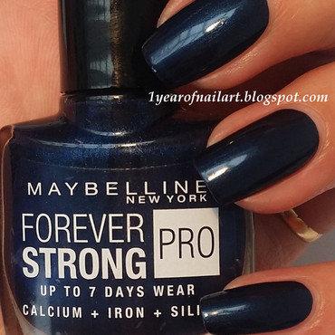 Maybelline Midnight Blue Swatch by Margriet Sijperda