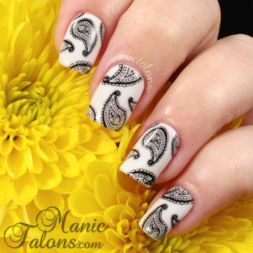Black and White Paisley nail art by ManicTalons