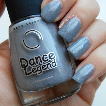 Dance Legend Grey Britain Swatch by Lisa Yabsley
