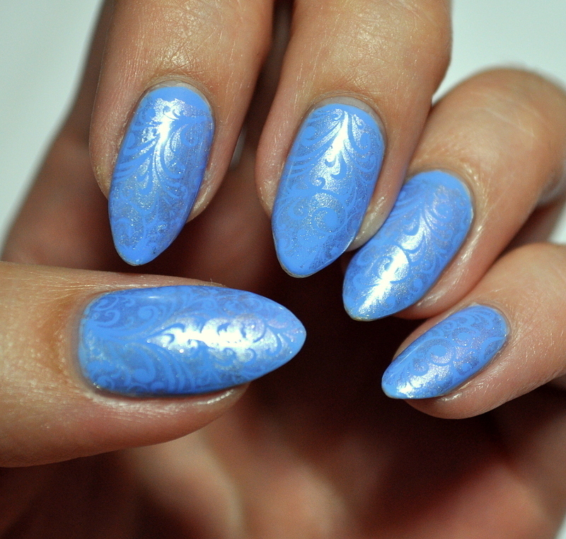 Blue&silver print nail art by Carolina