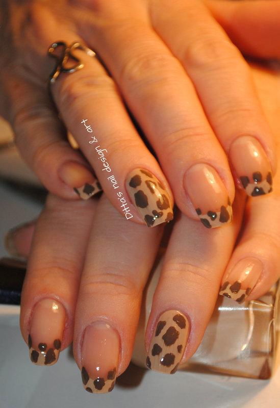 Animal print- giraffe nail art by Ditta