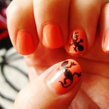 Gecko Nails nail art by Emily