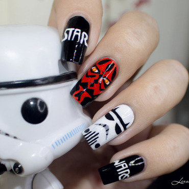 Nail Art Star Wars nail art by Lizana Nails