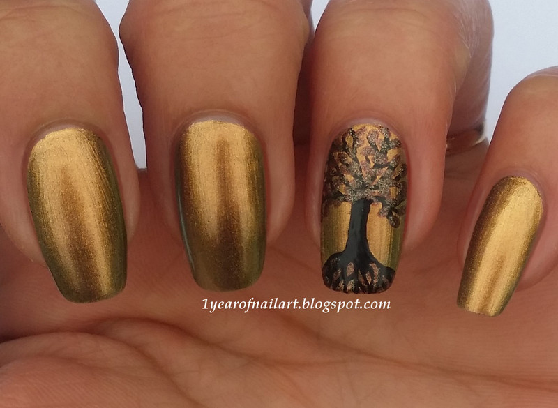 Tree (of life) nail art by Margriet Sijperda