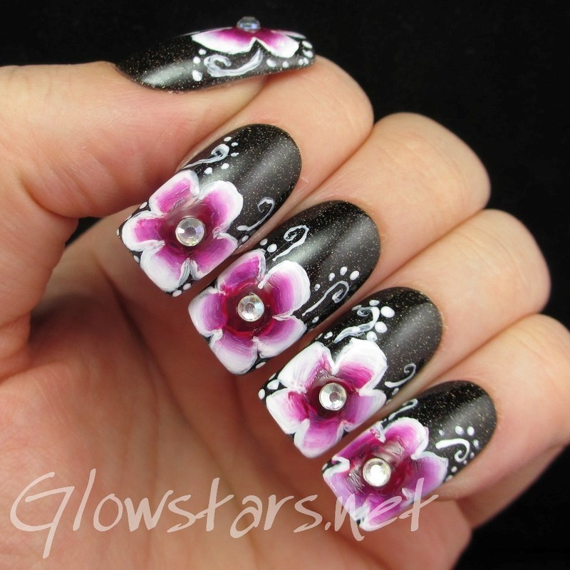 Make me your Aphrodite, make me your one and only nail art by Vic 'Glowstars' Pires