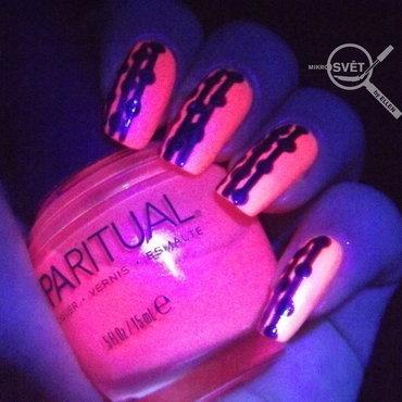 Pink & Purple nail art by Mikrosvět by Ellen