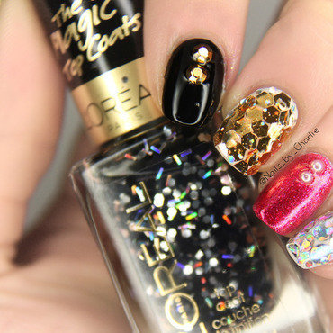 Glitter placement nail art by Charlie Bourdeau