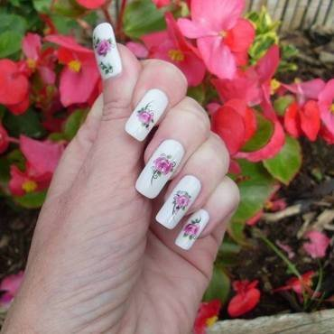 Roses for Mum nail art by Tracey - Bite no more