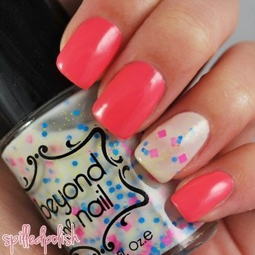 Neon Accent Nail nail art by Maddy S