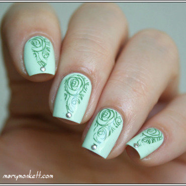 Stamping triangulisé force mint nail art by Mary Monkett