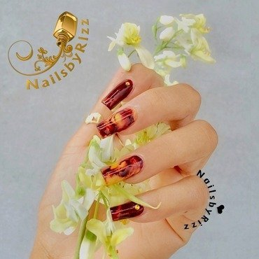 Drag marble possible  nail art by Nailsbyrizz