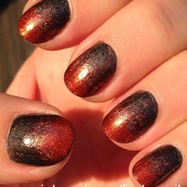 Warm gRadient nail art by Factornails