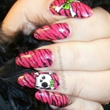 Skullies nail art by  Kyleigh  'Handmade By Kyleigh'