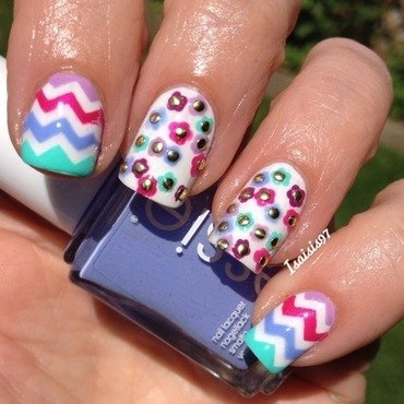 Summer's colors nail art by Isaisis97