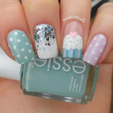 Cupcake Mothersday Mani nail art by Ann-Kristin