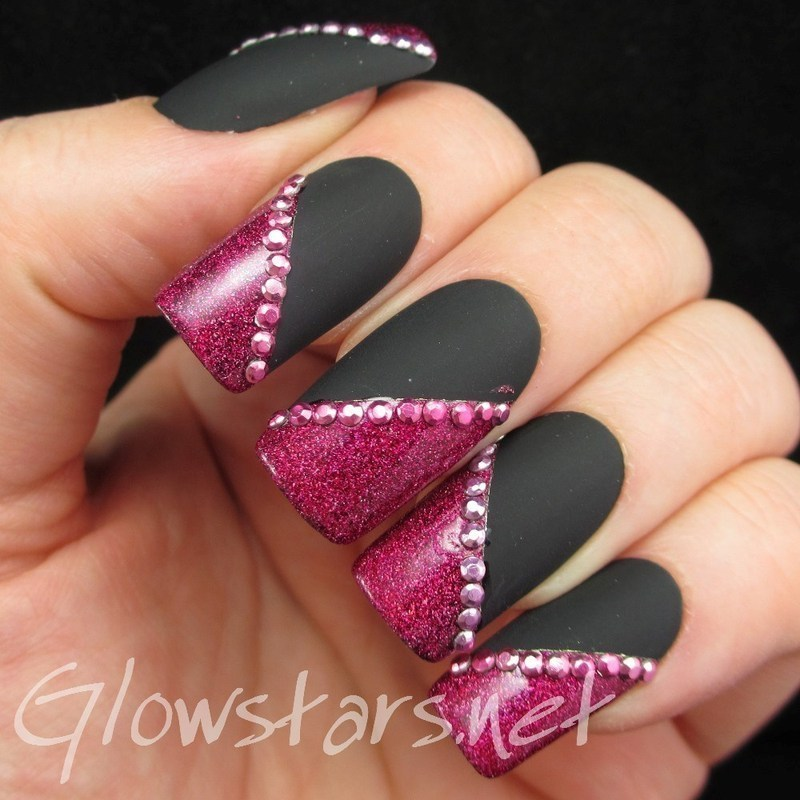 Watch the twilight starve the sun nail art by Vic 'Glowstars' Pires